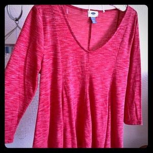 Red 3/4 length sleeve top.